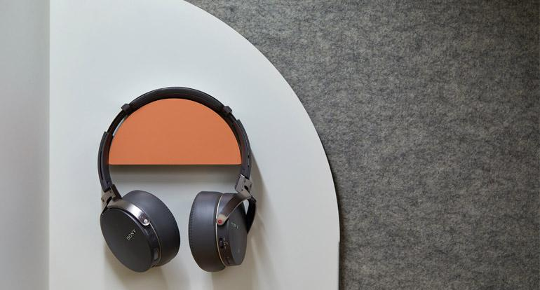 7 Best Studio Headphones Under $200